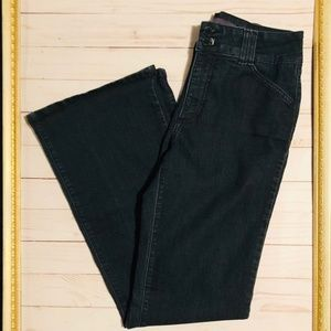 NYDJ Size 6 Black Flair Jeans